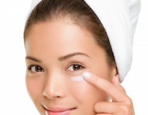 Top Skin Care Benefits Offered By The Best Natural Moisturizer